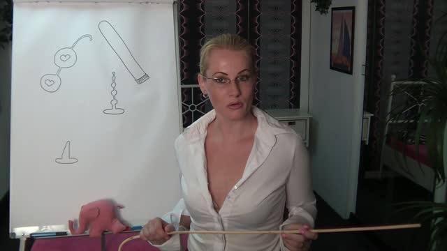 video: sexTIP – Přísná učitelka a nezbedný žák