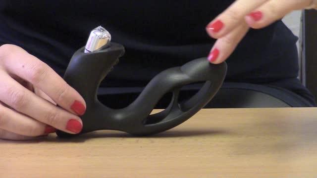 video: Karin předvádí roztahovací anální kolík Xpander