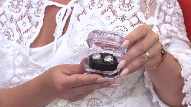 video: Verča předvádí Kovové kuličky Silver Balls