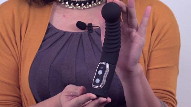 video: Karin předvádí rotační masáž prostaty Twister King