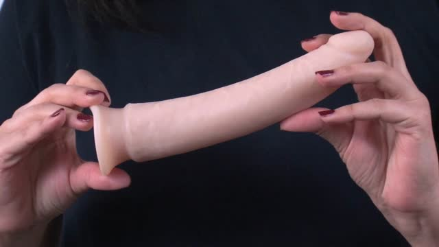 video: Karin a Dildo Soft Boy