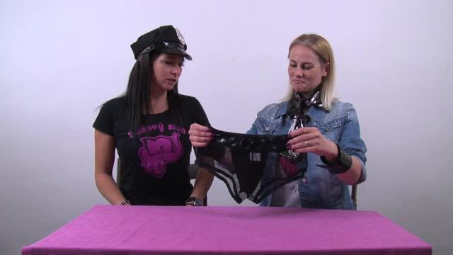 video: Domča s Verčou a Pánský kostým Pleasure Police
