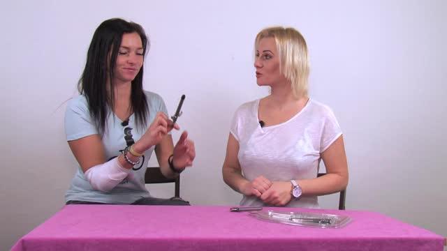 video: Verča s Domčou představují sadu aplikátorů lubrikačního gelu Triple