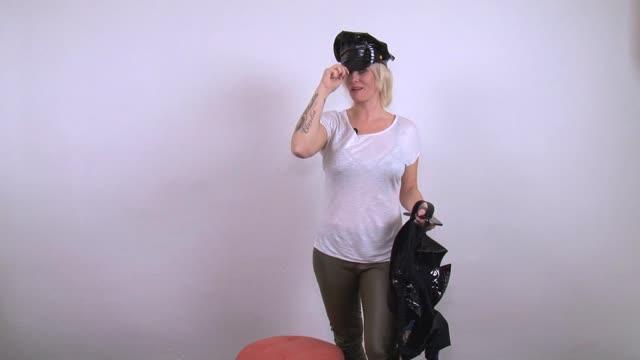 video: Verča představuje Obsessive kostým Sexy Police