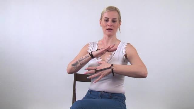 video: Verča předvádí Náramek s prstýnkem Bijoux Indiscrets MAZE Together