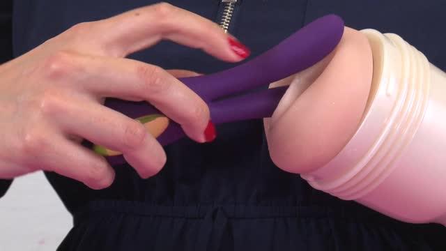 video: Karin předvádí Párový vibrátor Lovelight