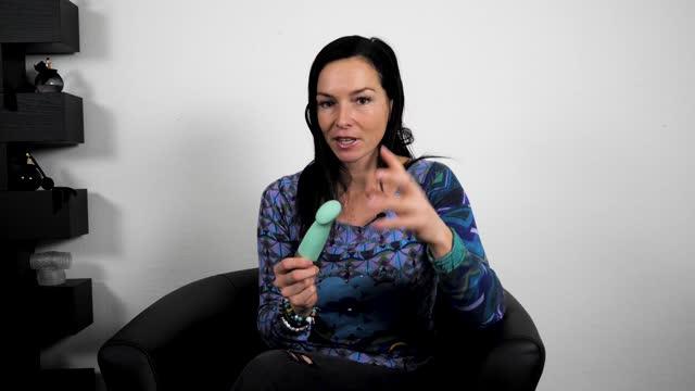 video: Domča předvádí Fun Factory Sundaze pulzační vibrátor