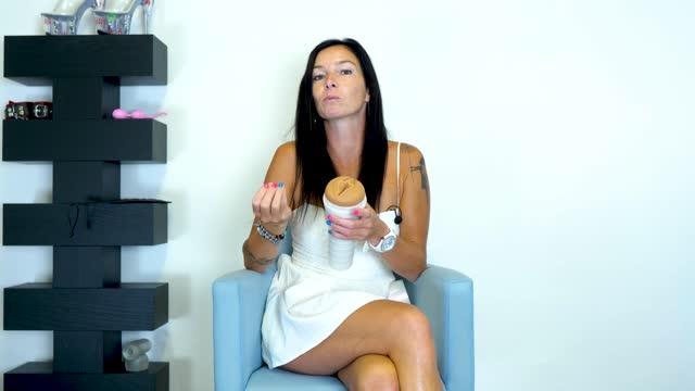 video: Domča a Fleshlight Autumn Falls Cream vagina