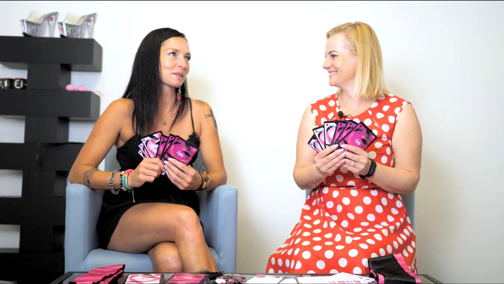 video: Verča s Domčou a Albi Nespoutané laškování – erotická stolní hra