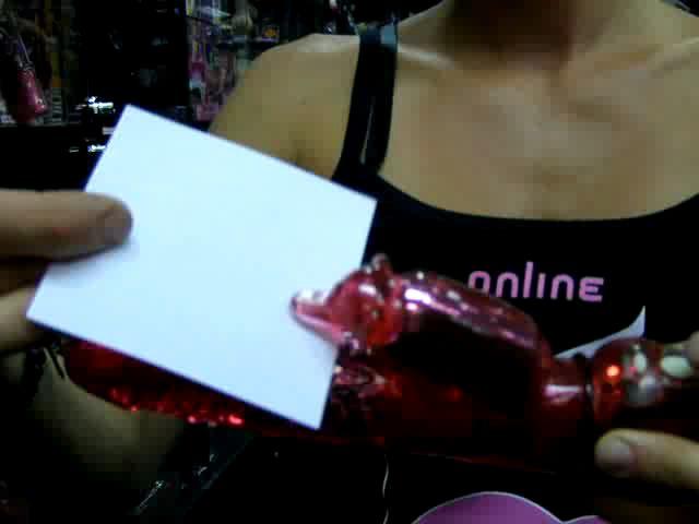 video: Dominika v prodejně a rotační perličkový vibrátor