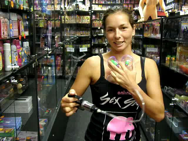 video: Dominika v prodejně + podtlaková sada
