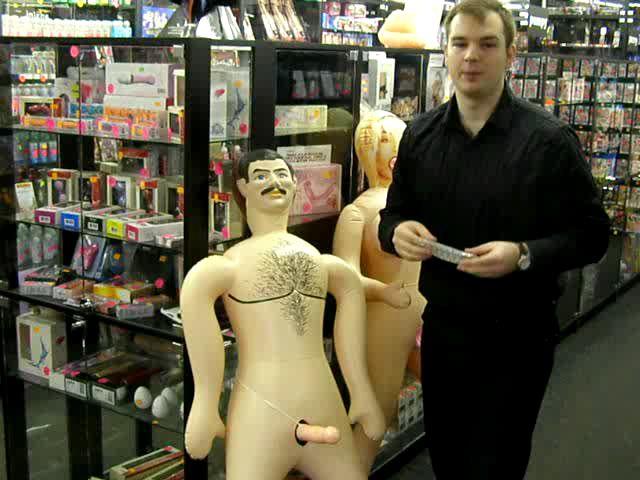 video: Návlek na penis a nafukovací panák :)