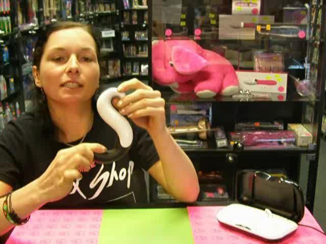 video: Dominika v prodejně ukazuje Delight vibrátor